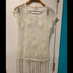 LA hearts sleeveless embroidered white fringed top
